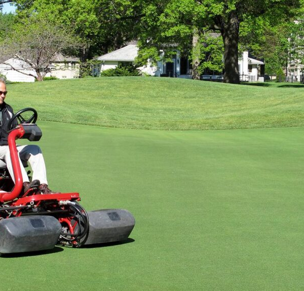 Riding V/s Walking The Right Golf Course Mower